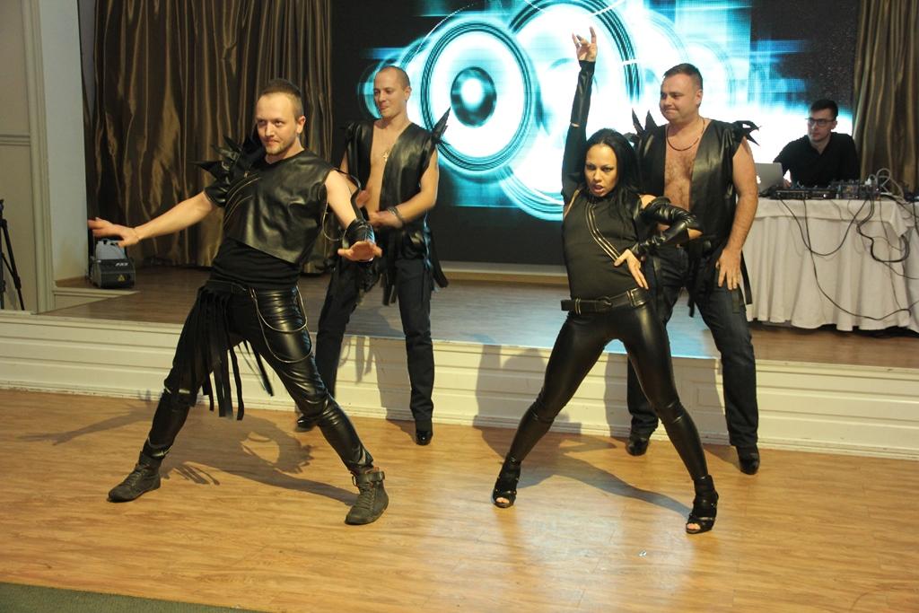 Эпатажное шоу Казаки в Одессе